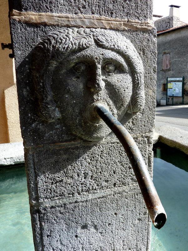 fontaine à Opme