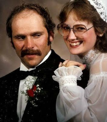 most_awkward_wedding_photos_20110813_1244041652