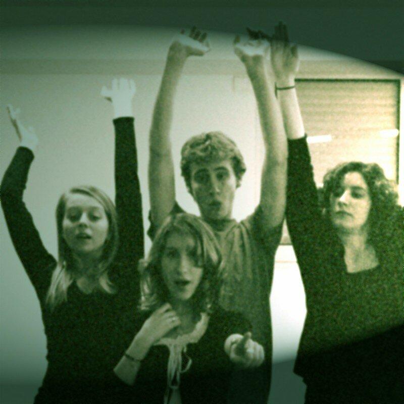 Justine, Rizlane, Eli, Lola