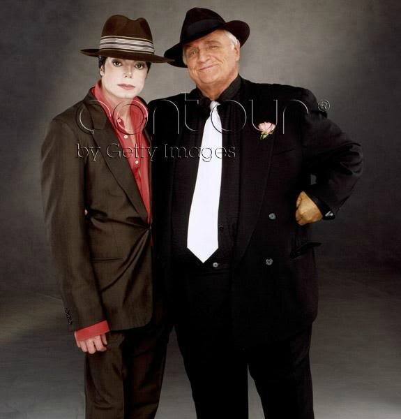 Michael-And-Marlon-Brando-michael-jackson-34601025-575-600