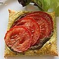 Tartelettes fines au pesto et à la tomate