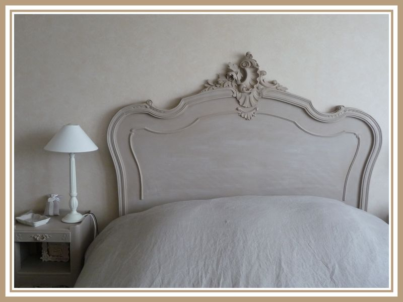 t te de lit patine taupe ros et blanc colombe 2 photo. Black Bedroom Furniture Sets. Home Design Ideas