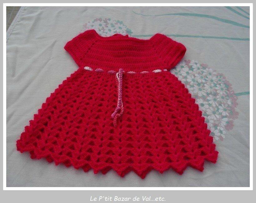 ensemble bebe au crochet et au tricot robe gilet p tale chaussons et b guin le p 39 tit bazar. Black Bedroom Furniture Sets. Home Design Ideas