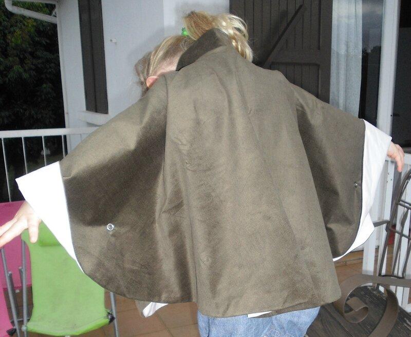 cape julie ampleur du dos