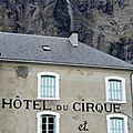 Gavarnie, grande cascade tombant dans cheminée de l'hôtel du cirque, octobre 2013 (65)