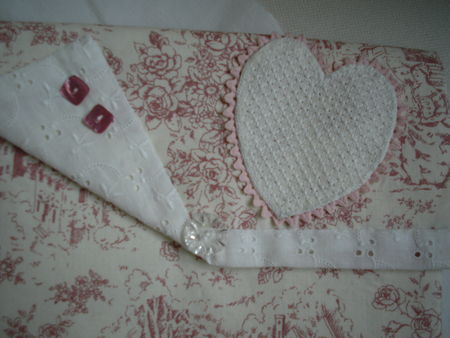 pochette_coeur_broderie_ajour_e_009