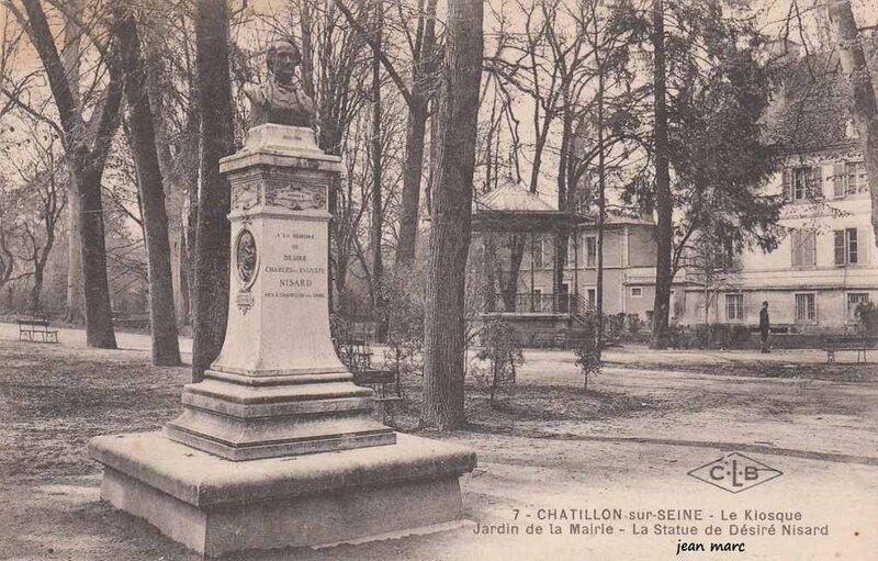 1444404938-Che-tillon-sur-Seine-Le-Kiosque-Jardin-de-la-Mairie-Statue-De-sire-Nisard