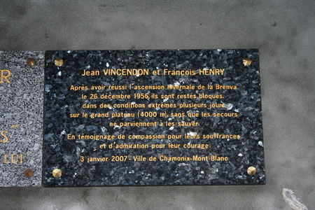 Vincendon_et_Henry_plaque_comm_morative_014