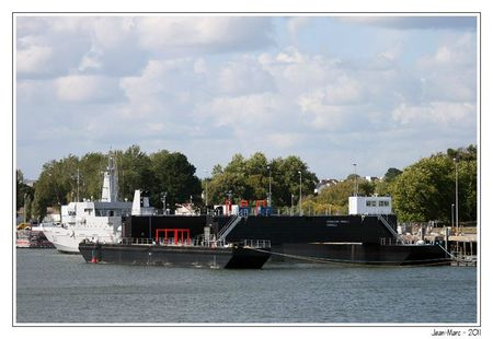 110623_057a_Barge_Openhydro