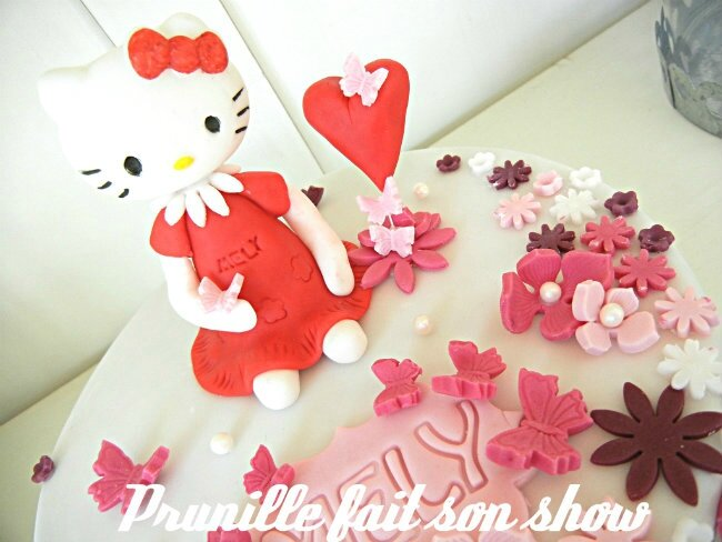 gateau hello kitty pâte a sucre prunillefee 6