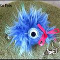 Porte-clé poilu bleu