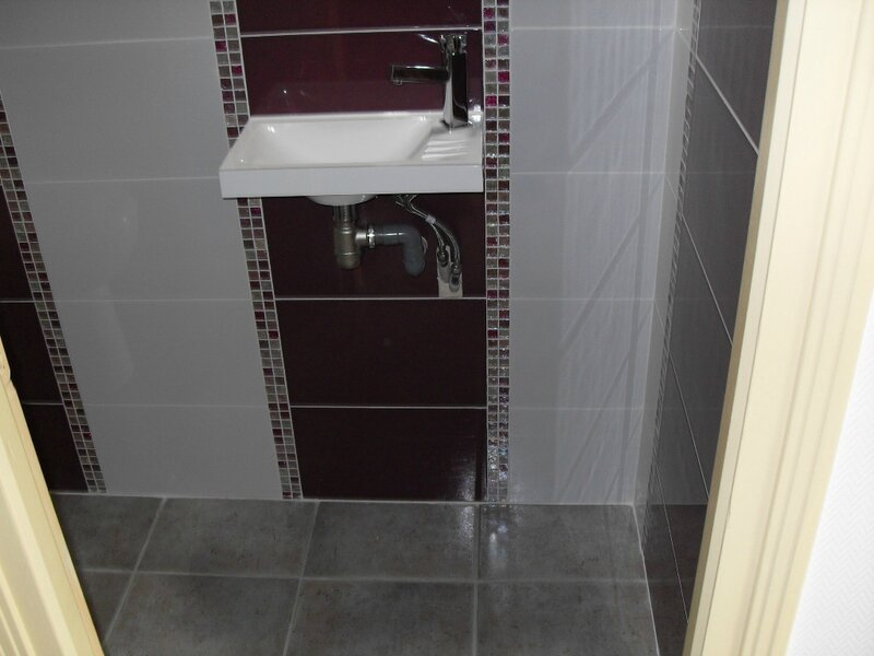 Une petite r nov de toilettes mes renovations for Pose en quinconce carrelage