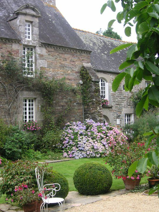 Promenade dans les jardins du botrain les jardins du botrain for Jardin in english