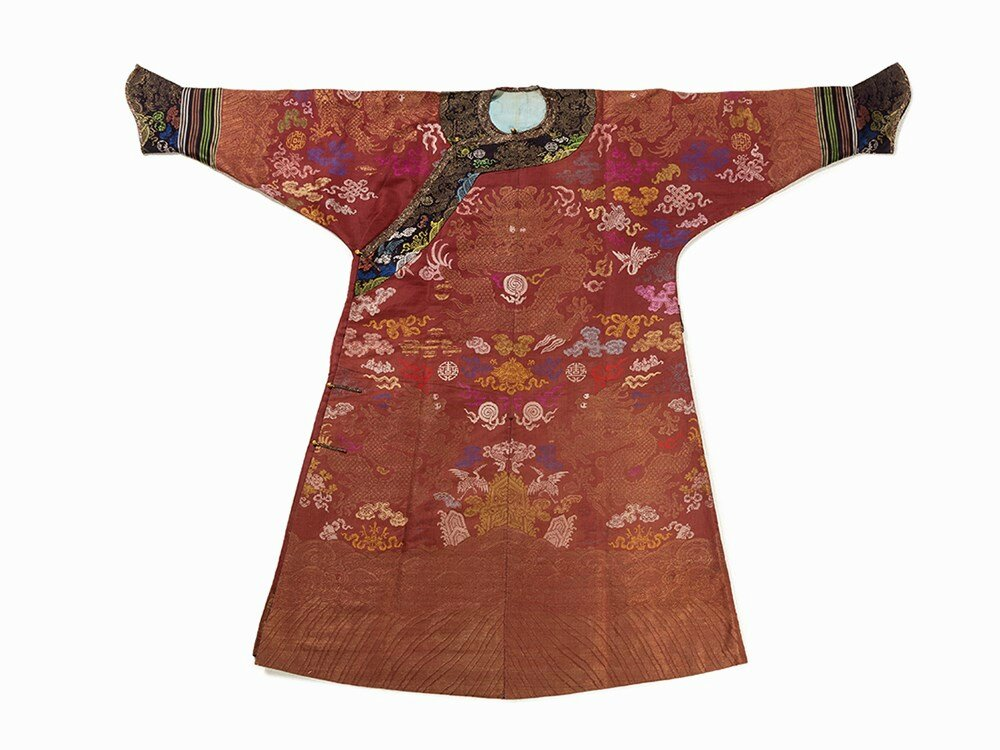 Burgundy Red Silk Robe 'Pao' with Dragons, 19th-20th century