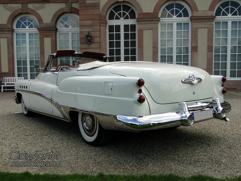 buick-roadmaster-convertible-1953-02