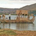 45 - Ile Uros, barque en totora