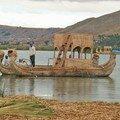 45 - Ile Uros, barque en totora