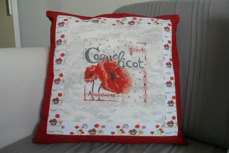 coussin coquelicot dame tatale