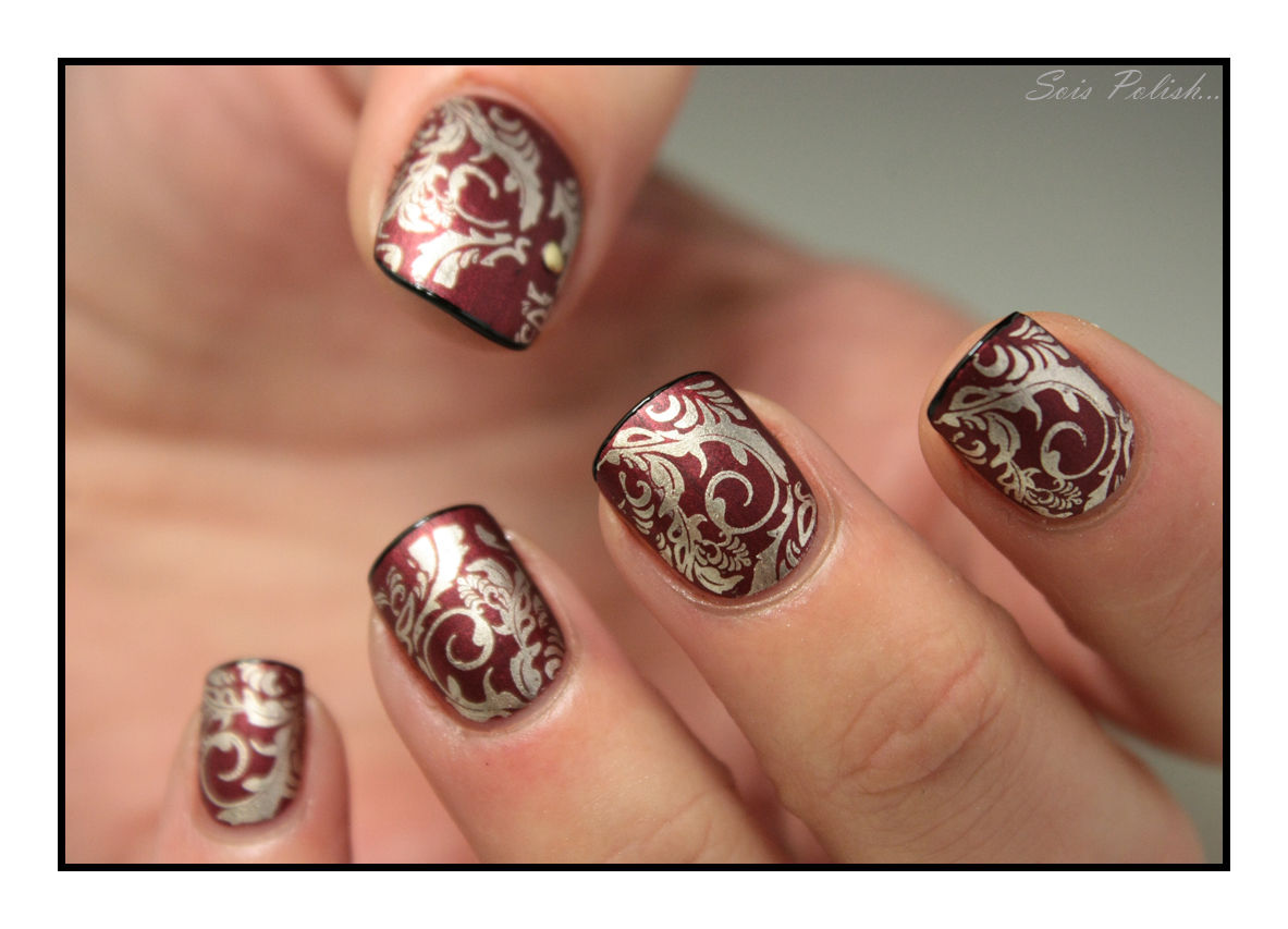 The Sunday Nail Battle #38 - Baroque (& Lace)