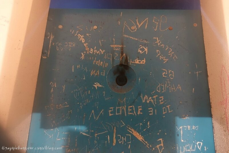 LVAN1 EL porte bleue