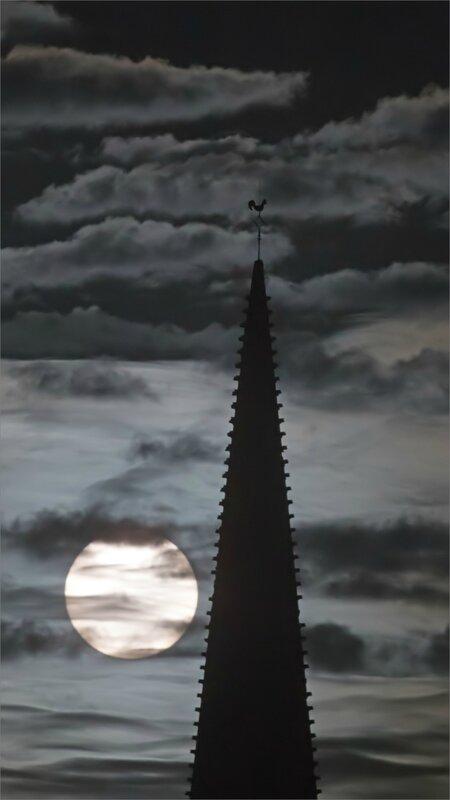 Ville lever soleil 231117 4 YM clocher coq ND