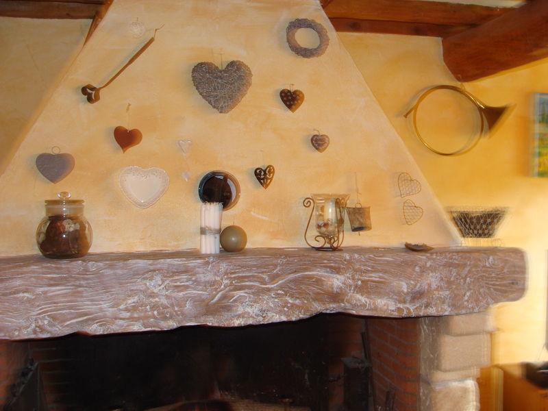 la ch min e photo de bricolage de campagne coeur de poule. Black Bedroom Furniture Sets. Home Design Ideas