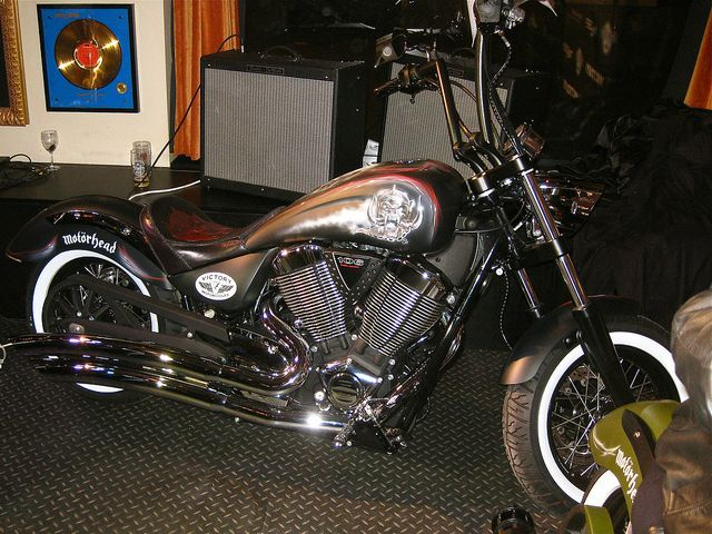 Motorhead by victory moto club pirate les ganjakro for Victory motors big bob