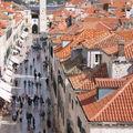 Dubrovnik -La Placa (ou Stradun) vue des remparts