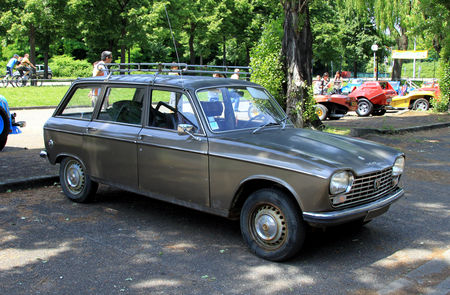 Peugeot_204_break__Retrorencard__01