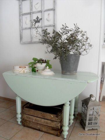 table shabby gris gustavien. Black Bedroom Furniture Sets. Home Design Ideas