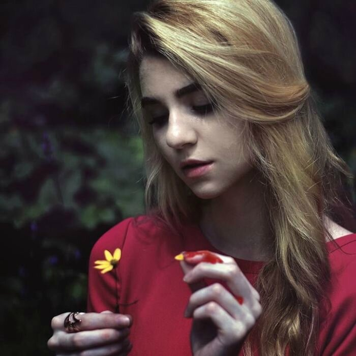Surreal-Portraits-by-20-Year-Old-Rachel-Baran-017