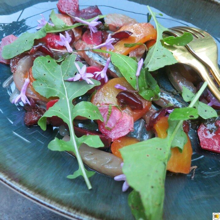 Betteraves Choggia & perilla, lisettes marinées aux cerises et gingembre (1)