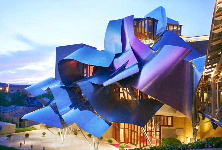 Frank gehry fossettes for Architecture courbe