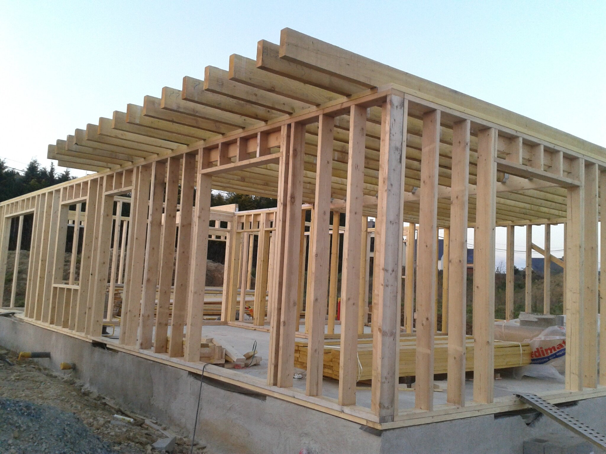 Maison ossature bois autoconstruction for Maison en construction