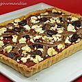 Tarte aux tomates, olives noires, feta et anchois d'après jamie oliver