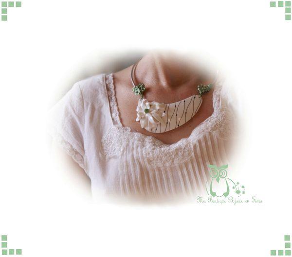 Le collier Magnolia porté