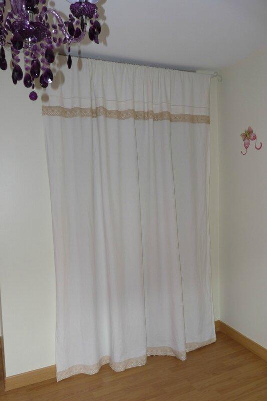 Drap ancien transform en rideau de placard le petit carrousel - Rideau avec drap ancien ...