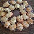 Madeleines salées à la vielle mimolette et madeleines au chévre