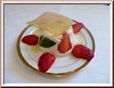 0108s - timbales de ricotta et fraises, coulis de miel