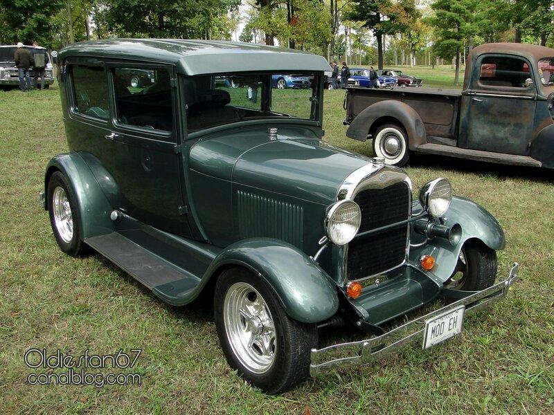 ford-tudor-sedan-1928-1929-a