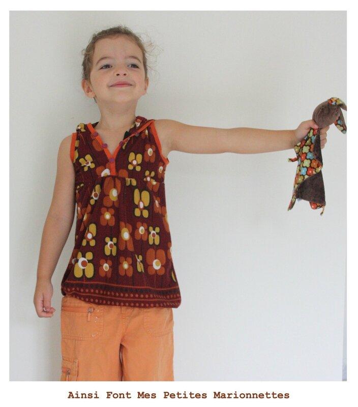 souvenir robe capuche fleur 4 ans