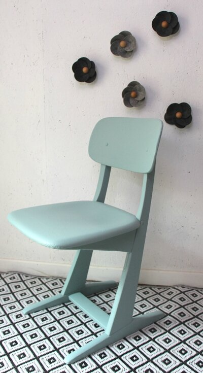 chaise-casala-bleue