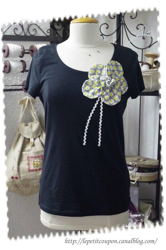 tee shirt grosse fleur