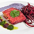 Saumon mariné à la betterave, purée de vitelottes et salade de betterave crue