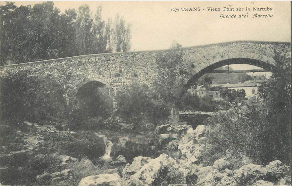 Trans-Le Pont Vieux sur la Nartuby