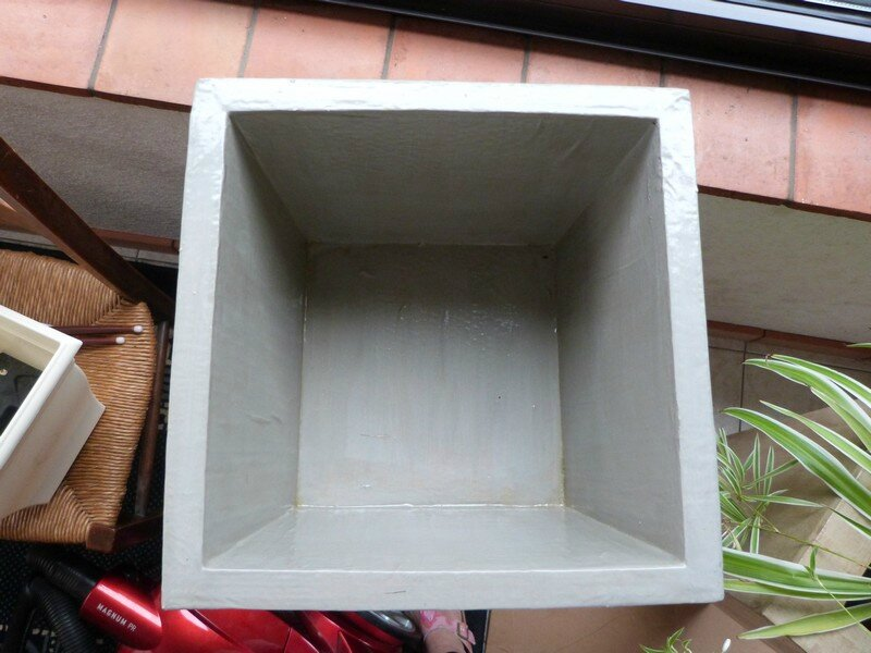 grand cache pot en carton exoticcreation. Black Bedroom Furniture Sets. Home Design Ideas