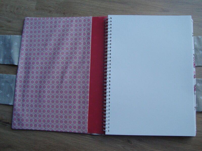 intérieur gauiche cahier