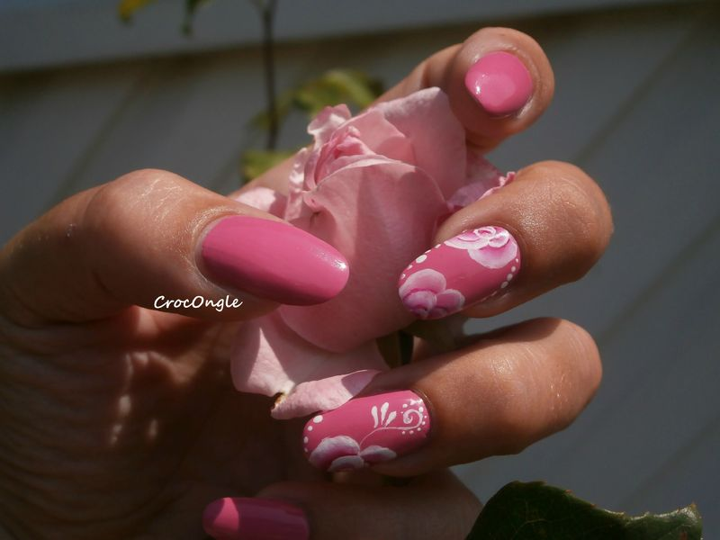 nail art roses one stroke vernis Moya pastel n° 609 Crocongle 1