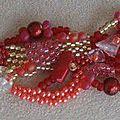 Une série de bracelets...