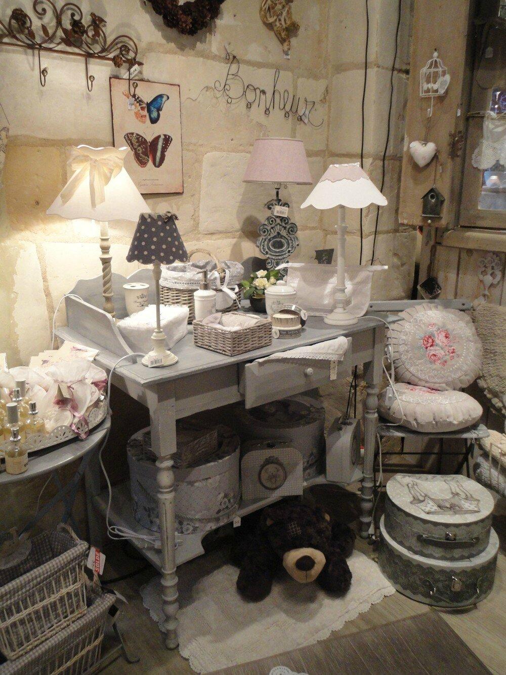 boutique charme d 39 antan toutes les photos sur boutique charme d 39 antan charme d 39 antan. Black Bedroom Furniture Sets. Home Design Ideas